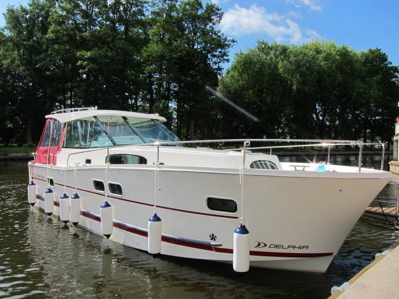 jacht-motorowy-nautika-1000